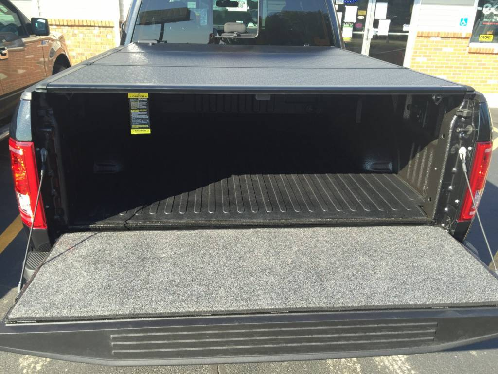 Photo Gallery 15 C F 150 An Extang Encore Tonneau Cover And A Bedrug Tailgate Mat