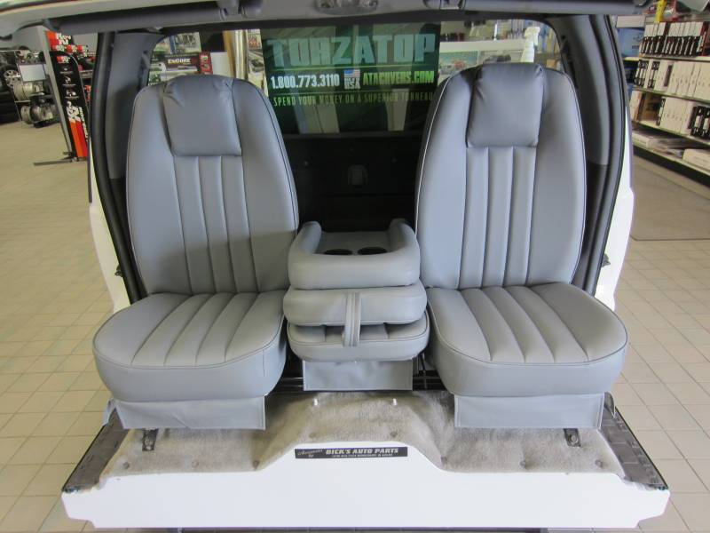 97 03 Ford F 150 V 200 Gray Vinyl Triway Seat Dick S Auto