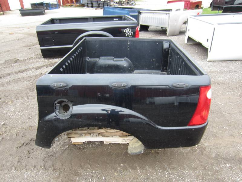 used 01 05 ford explorer sport trac black truck bed dick 39 s auto parts middlebury in. Black Bedroom Furniture Sets. Home Design Ideas