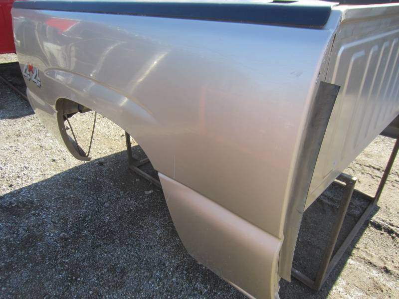 Bed Rail Caps >> Used 04-05-06 Chevy Silverado Pewter 5.8' 1500 Crew Cab ...