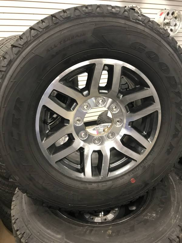 "New Ford Truck >> 05-17 Ford F-250/F-350 Super Duty 8 Lug 18"" Aluminum Wheels & Goodyear Wrangler All-terrain ..."