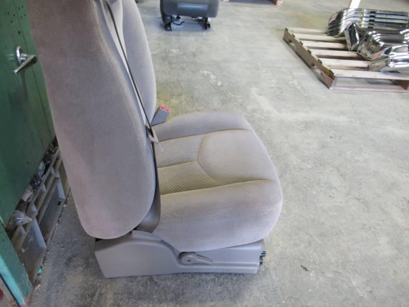 03 06 Chevy Silverado Tan Cloth Rh Passenger Side 40 20 40