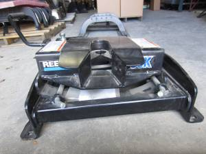 Reese Low Profile Fifth Wheel Hitch