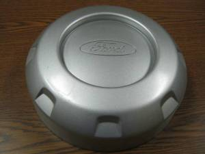 05-10 Ford F-250 F-350 SuperDuty Truck Front or Rear 2WD Argent Gray Center Cap
