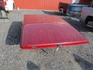 Used 05-11 Dodge Dakota 6.5ft Short Bed Burgundy Eagle Lid