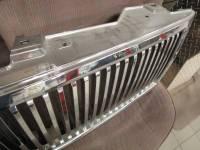 OE - 07-13 Silverado 1500 Lincoln Navigator-Style Grille - Image 4