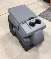 New and Used OEM Center Consoles - Ford Center Consoles - 17-19 Ford F-250/F-350 SD 15-19 F-150 OEM Gray 40-20-40 Cloth Jump Seat Center Console