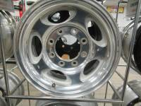 Wheels - Ford Wheels - 00-05 Ford F-250/F-350/Excursion  8 Lug 16x7 in. Chrome Aluminum Wheels