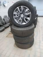 Takeoff Wheels & Tires - Chevrolet & GMC Truck Wheels & Tires - 88-21 Chevy Silverado/GMC Sierra 20 in. 6 Lug Charcoal Inlay w/Machined Face Aluminum Wheels with 275/55/R20 Bridgestone Dueler Tires